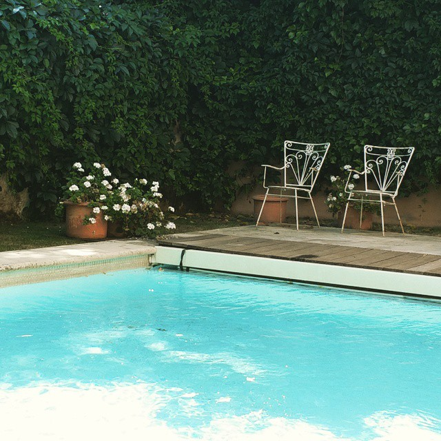 Nothing like an afternoon well spent#pool #summer #madrid #thrusday #summertime #dip #june #icecream #corners #vintage #deco