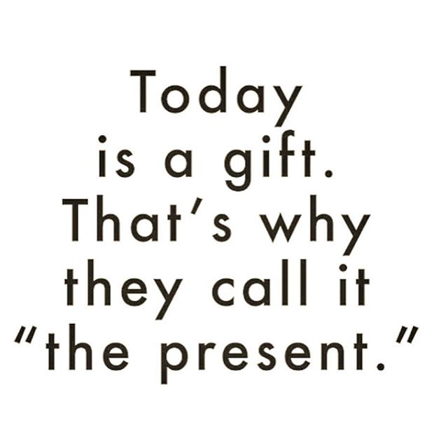The present.#quote #monday #lunes #madrid #motivacion #emprendedor #aportodas #letsdoit #presente #present #hoy #today