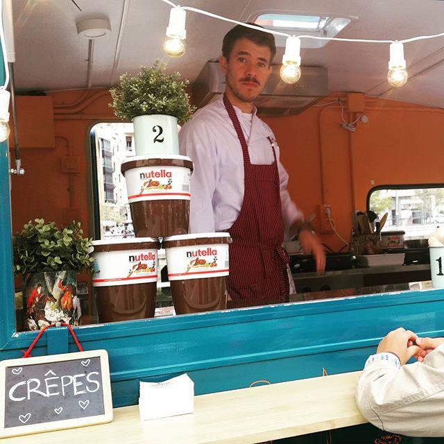 Hoy os esperamos en Bilboro Market de 12 a 22 hrs. Crepes dulces y saladas#bilbao #igersbilbao #foodpic #foodtruck #caravana #caravanasalpoder #mapetitecreperie #nutellalovers #nutella #deco #bilbo #elarenal