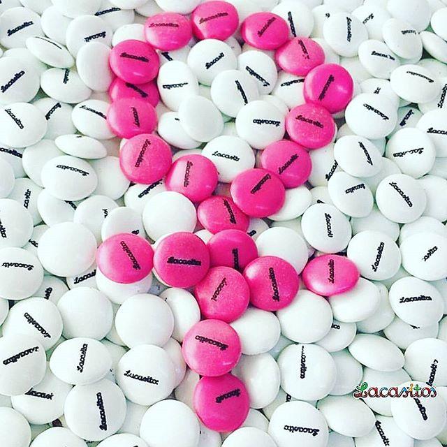 Hoy tambien, pero no mas otros dias apoyamos y nos acordamos de todas las mujeres luchadoras, fuertes y valientes que se enfrentan o enfrentaron al cancer de mama. #diamundialcancermama #mujer #cancer #lucha #vamos #animoFoto de @lacasitos_oficial