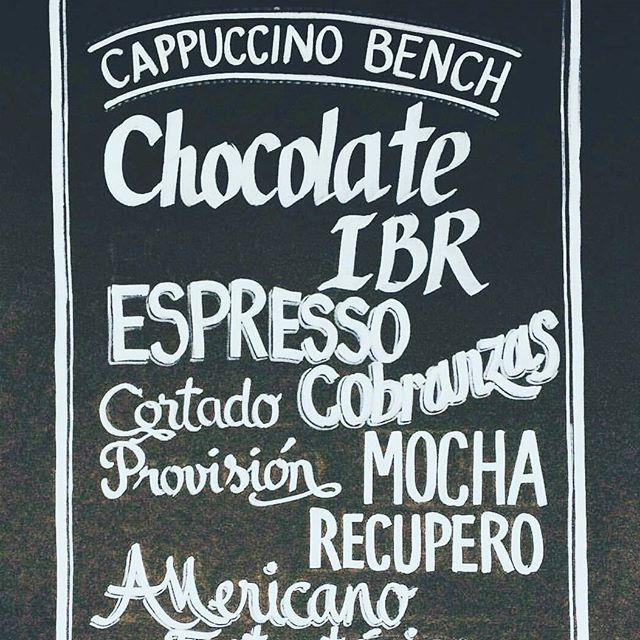 A por el Martes 13 y que nada nos frene!!! #cool #pizarra #cafe #coffee #design #rotulaciones #caligraphy #caligrafiaPhoto by @emytang