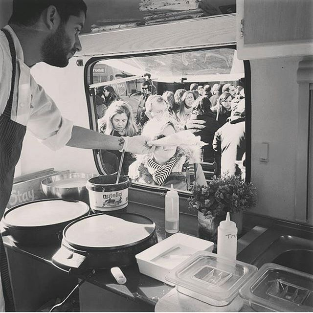 Estamos en @catatruck en @lasarmaszaragoza con crepes dulces y saladas!! No os lo perdais, planazo de fin de semana!! #zaragoza #igerszaragoza #guiazaragoza #aragon #crepes #foodtruck #foodonwheels #crepe #nutella #instagood #foodie #foodies