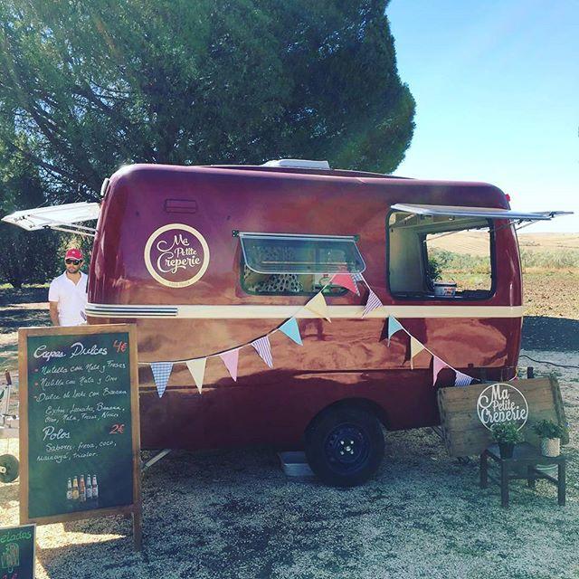 ¡Hoy estamos en Fresno de Torote disfrutando de buenas vibras y buena compañía! #foodnomads #foodtrucks #crepes #verano2016 #PeugeotTrophy