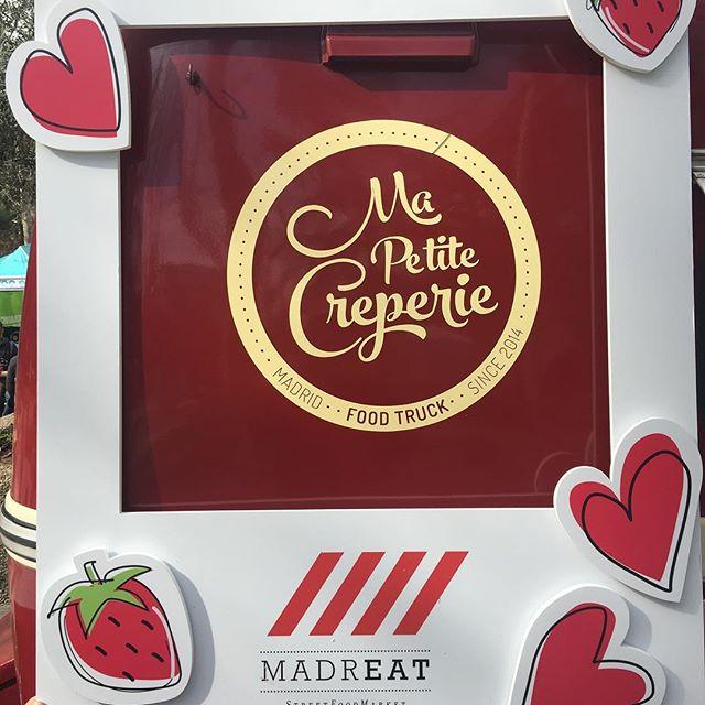 ️En la edición de los enamorados @madreatmarket ️.. aquí los esperamos hasta el domingo 19 de febrero!! #madreat #madreatmarket #crepes #MaPetiteCreperie #foodie #foodtruck #streetfood #sanvalentinenmadrid #enamorados #love #amor #FrenchAmour #febrero2017